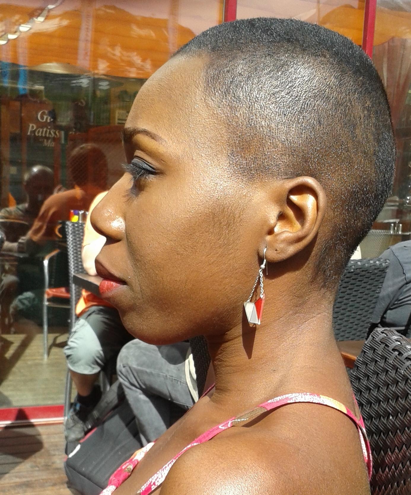femmes noires rasées noir ghetto cul tube