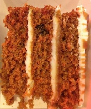 carrot-cake-brueggers-manoibema
