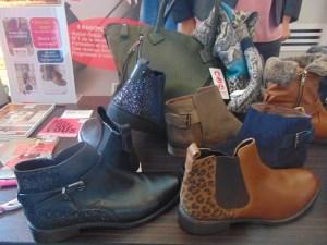 les-points-roses-vente-a-domicile-chaussures-manoibema