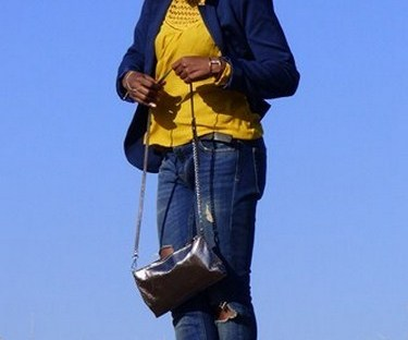 outfit-details-mode-manoibema-yellow-blue